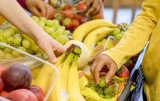 Tafel sucht Förderer für das Projekt Schulobstfrühstück
