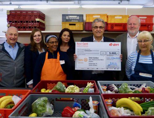 E.ON unterstützt die Tafel Gießen mit 5.000 Euro