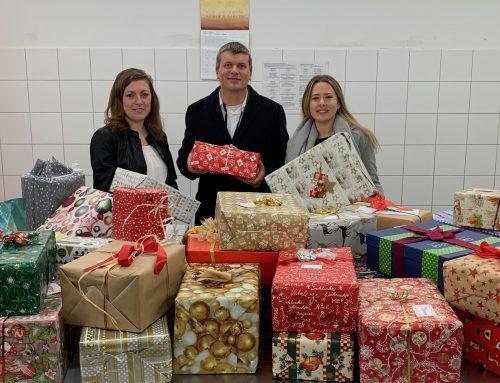 BAMF-Mitarbeitende sorgen für Weihnachtsüberraschung