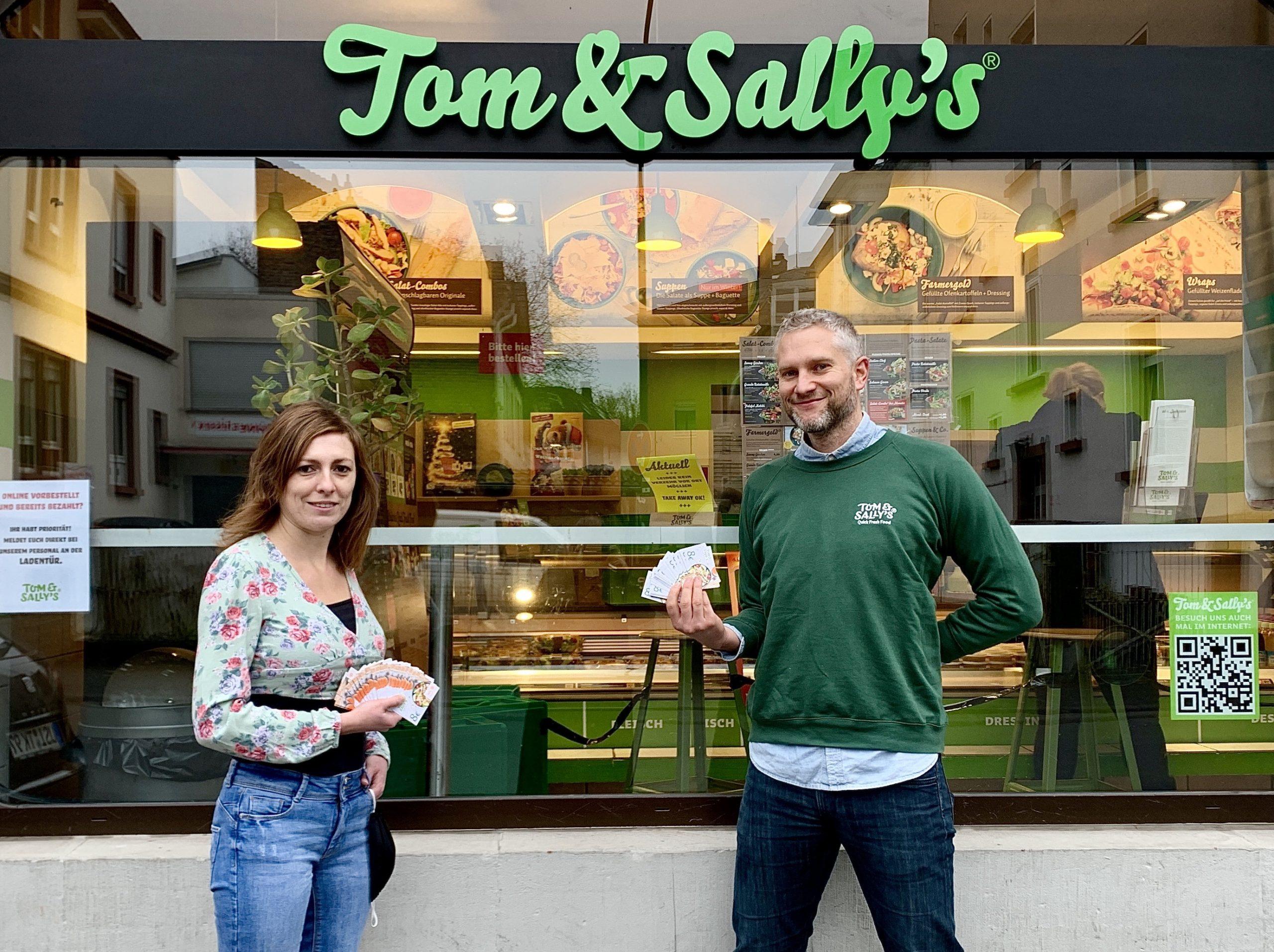 Tom & Sally's spendet an Tafel